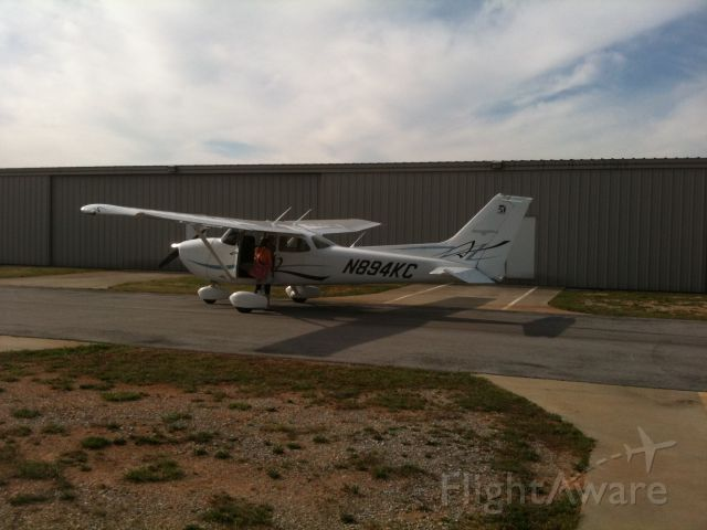 Cessna Skyhawk (N894KC)