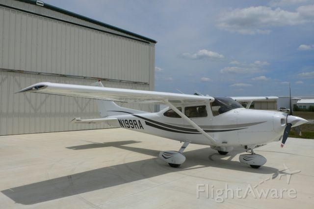 Cessna Skylane (N199RA)
