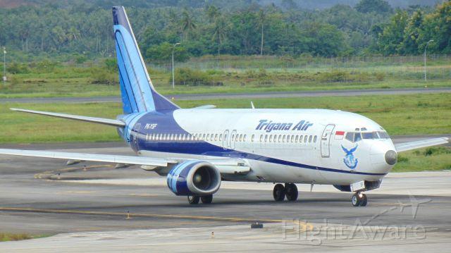 BOEING 737-400 (PK-YSF)