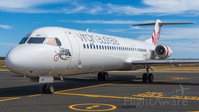 Fokker 100 (VH-FNT)