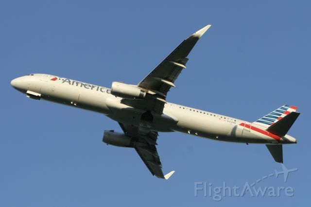 Airbus A321 (N122NN) - August 1, 2015 - evening departed from Washington Reagan National Airport