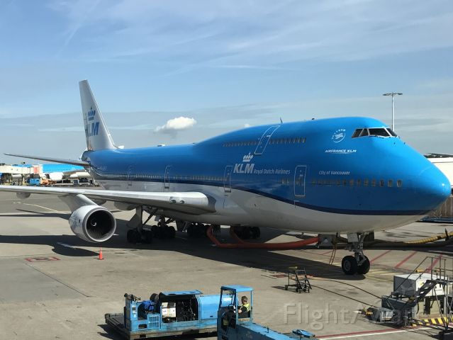 Boeing 747-400 (PH-BFV) - The Vancouver at the gate