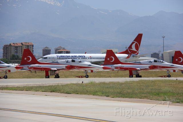 — — - TURKISH STARS AND TURKISH AIR LINES.. TURKIYE