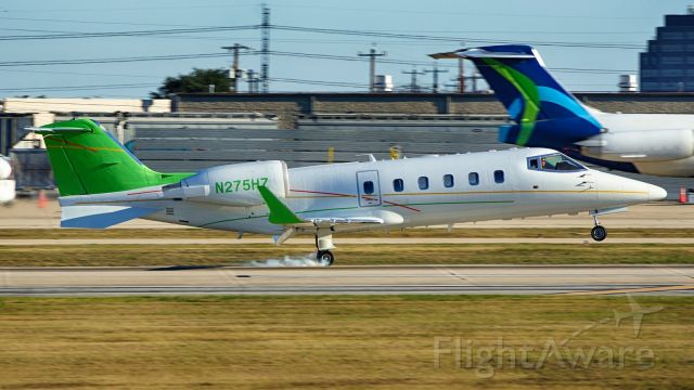 Learjet 60 (N275HZ) - 22 arrival.