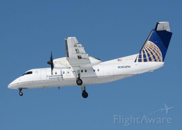 de Havilland Dash 8-200 (N363PH)