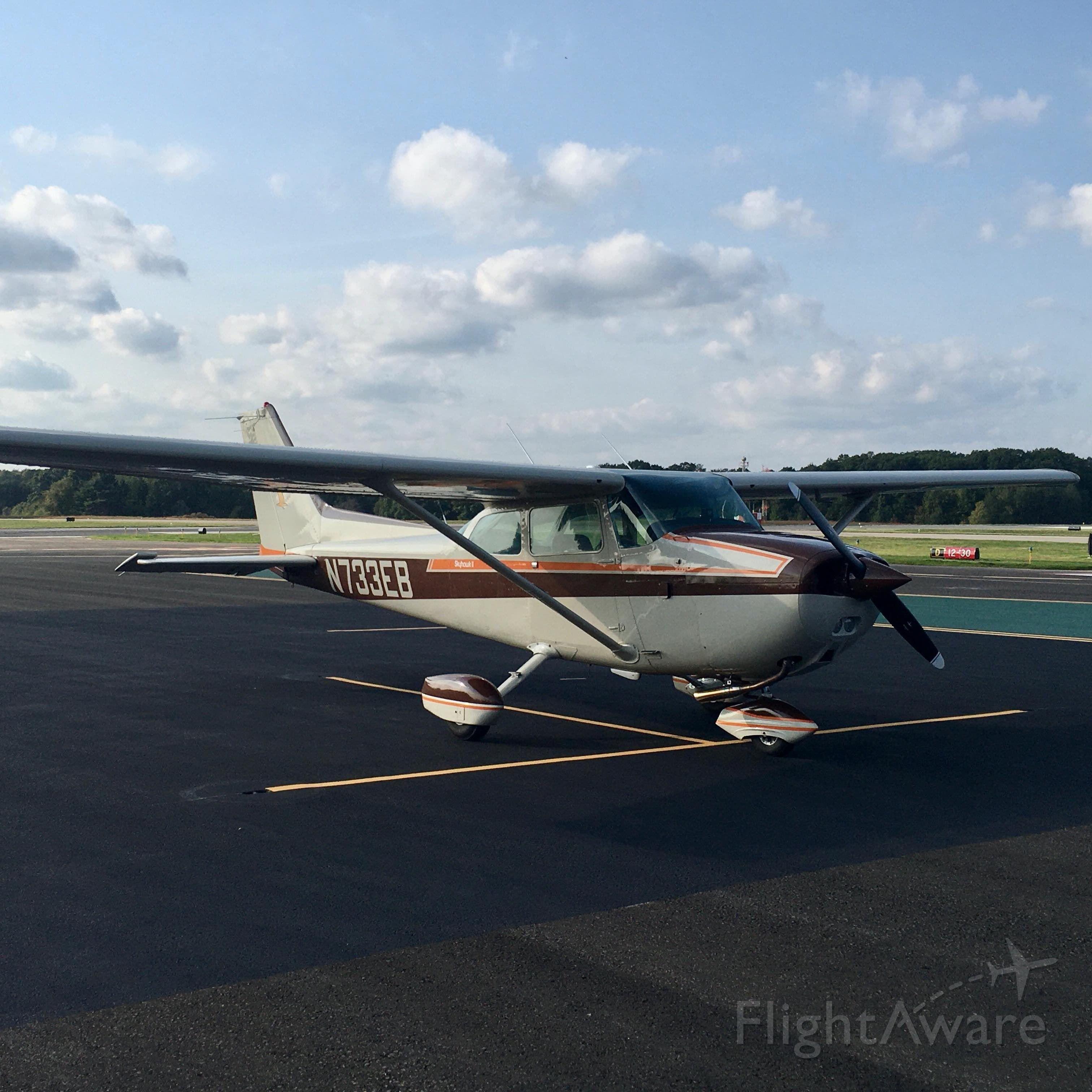 Cessna Skyhawk (N733EB)
