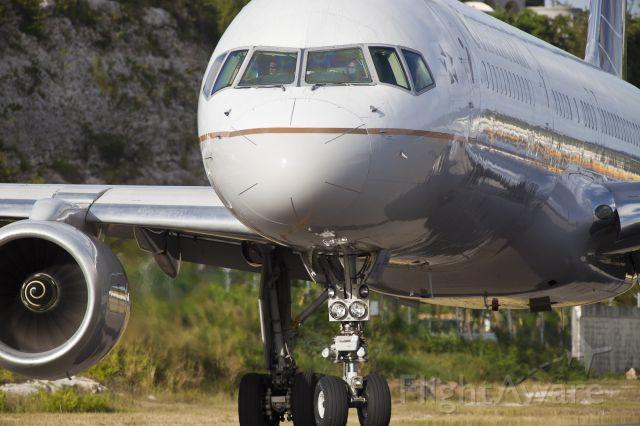Boeing 757-200 (N13110)