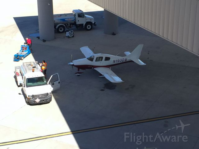 Cessna 350 (N193DW) - From the rooftop of the beautiful Galaxy FBO in Conroe, Texas.