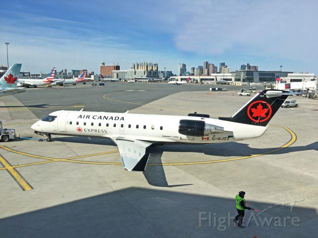 Canadair Regional Jet CRJ-200 (C-GJZZ) - Air Canada new livery and pushback 04/09/2018