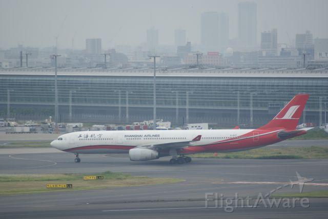 Airbus A330-300 (B-6127) - Shanghai Airlines A330-343X cn781