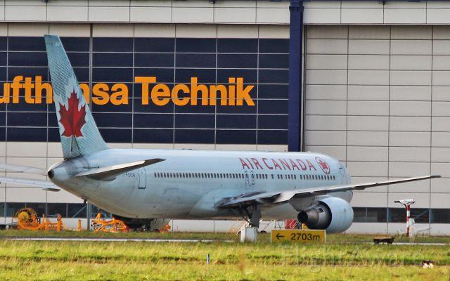 BOEING 767-300 (C-FOCA) - air canada b767-3 c-foca at shannon 29/10/17.