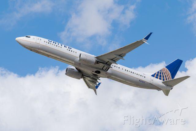 Boeing 737-900 (N37471) - N37471<br />737-924ER SN:37102<br />Flight:UAL1547 FLL to IAH<br />2017-02-15 KFLL RWY 28R<br />Photo:Rafael Zorrilla