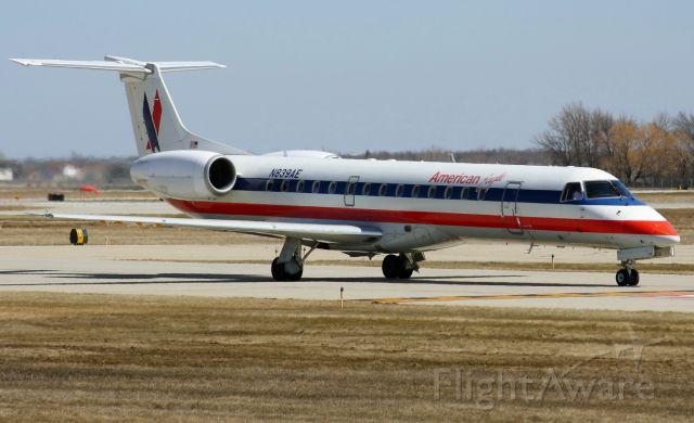Embraer ERJ-145 (N839AE)