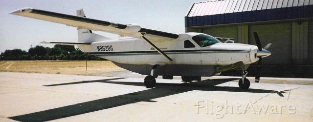 Cessna Caravan (N9529G) - Kevin Mullenger piloted this C208B Caravan, based in Bakersfield, California for Union Flights Cargo.