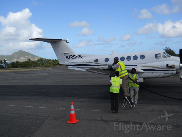 Beechcraft Super King Air 200 (N700KW) - Refuling in Nevis