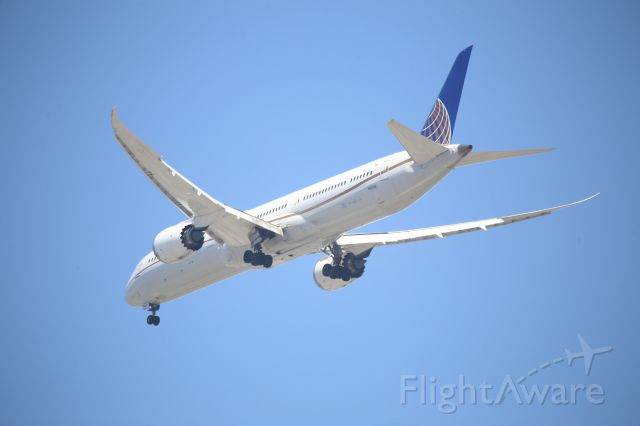 BOEING 787-10 Dreamliner (N16008)