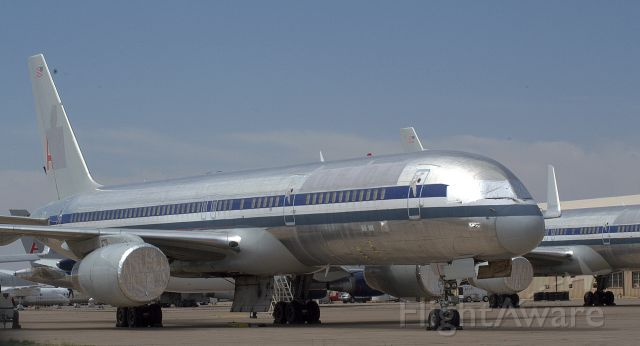Boeing 757-200 (N603AA) - wasting away at the Roswell Boneyard