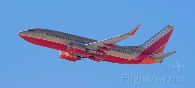 Boeing 737-700 (N711HK) - phoenix sky harbor international airport 05NOV20