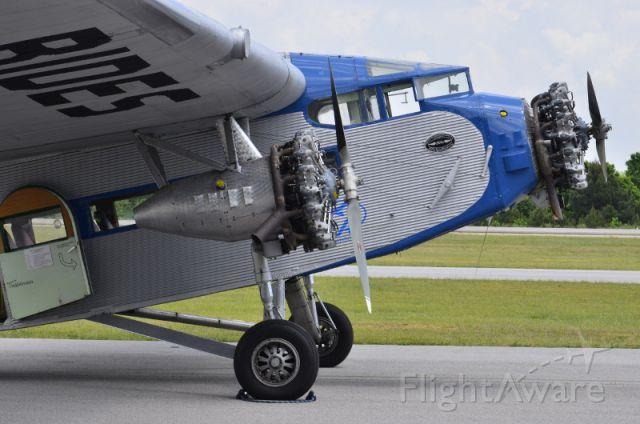 Ford Tri-Motor (NC8407) - 1929 Ford Tri-Motor