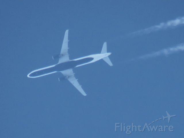 Airbus A321 (N989JT)