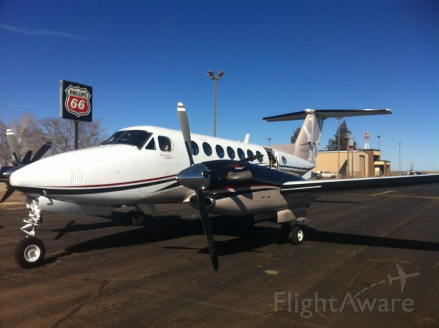 Beechcraft Super King Air 350 (N292TG) - Stop for fuel enroute from KMBO to KHND