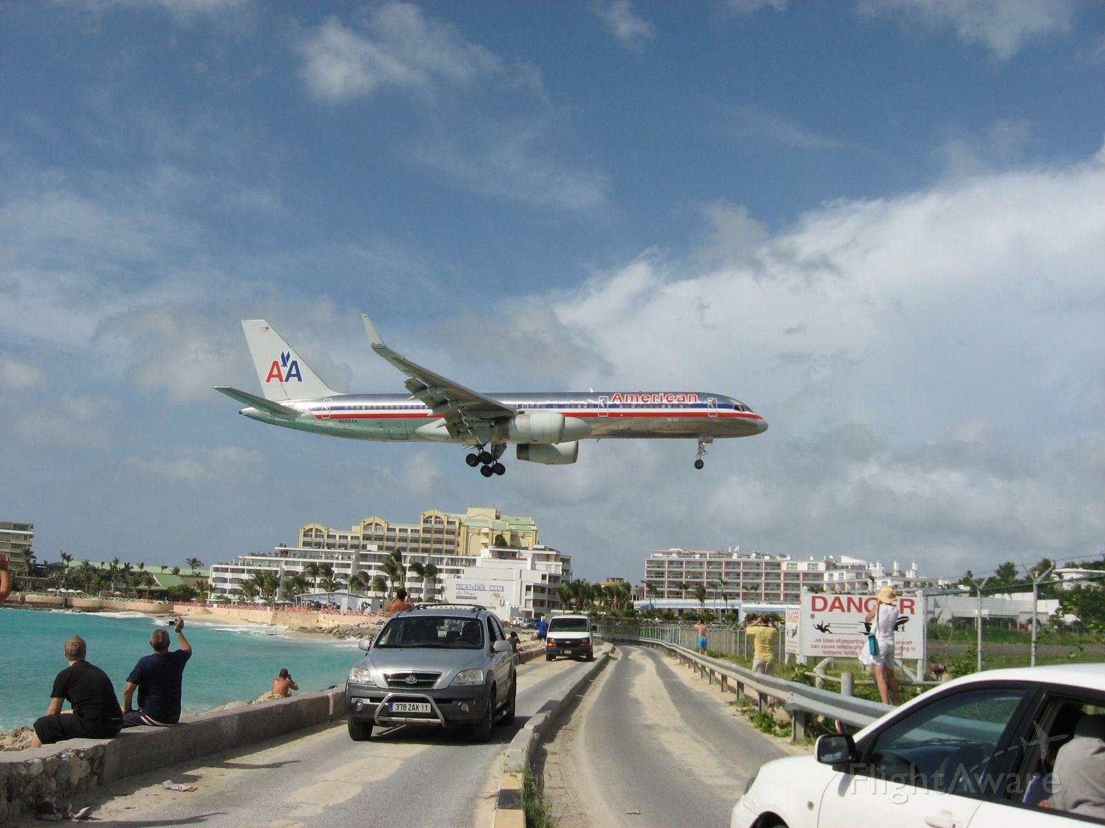 BOEING 767-300 (N650AA)