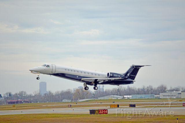Embraer ERJ-135 (N1977H)