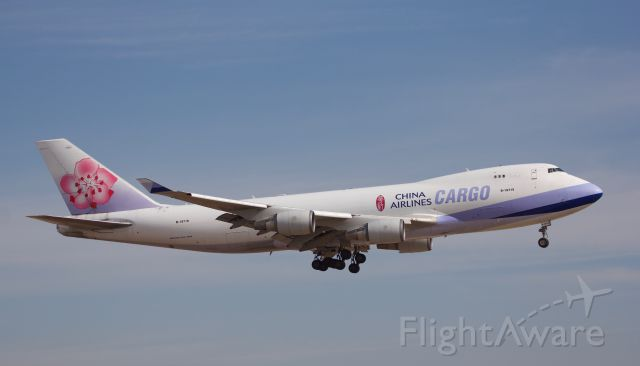 """Boeing 747-400 (B-18719) - Will forever love the Queen of the sky, always a pleasure to see this beauty in the air (as normal, view in """"full"""" size for best quality)"""