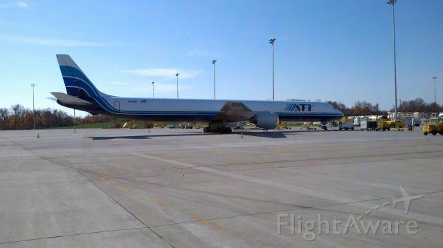 McDonnell Douglas DC-8-70 (N604BX)