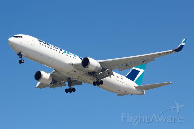 BOEING 767-300 (C-FOGJ)