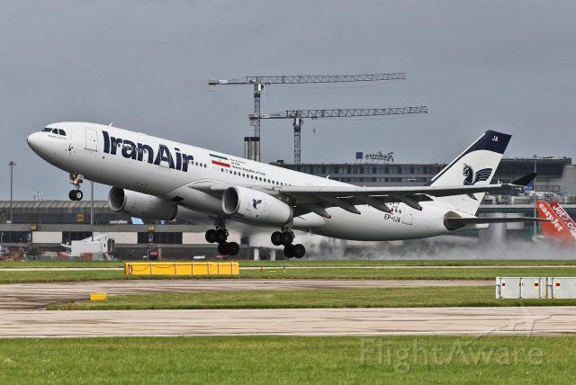 Airbus A330-200 (EP-IJA) - IR754 rotating on the return to Tehran IKA