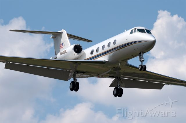 Gulfstream American Gulfstream 2 (N945PK) - Manufactured in 1975! Can't get enough of the classic Gs.