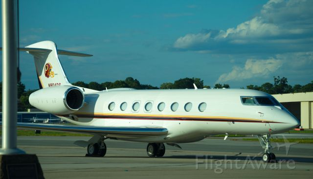 Gulfstream Aerospace Gulfstream G650 (N904DS) - I once saw this gorgeous plane parked at PDK airport.  Notice the Washington Redskin's logo on the tail.  Online records say that it is owned by Dan Snyder, who also owns the Redskins.
