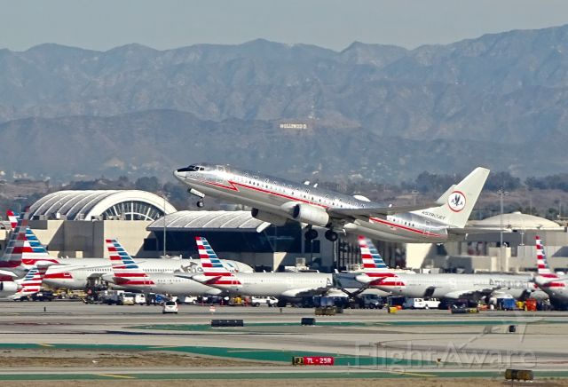 Boeing 737-700 (N905NN) - Astrojet leaving Hollywood https://flightaware.com/live/flight/N905NN/history/20191123/1740Z/KLAX/KSTL