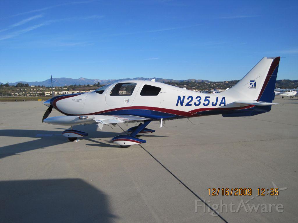 Cessna 400 (N235JA)