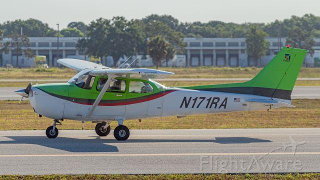Cessna Skyhawk (N171RA)