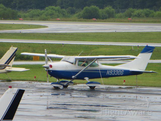 Cessna Skylane (N9330G)