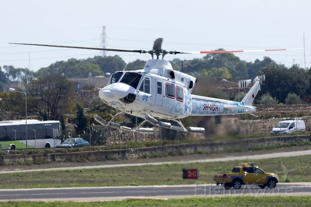 Bell 412 (9H-VGH)