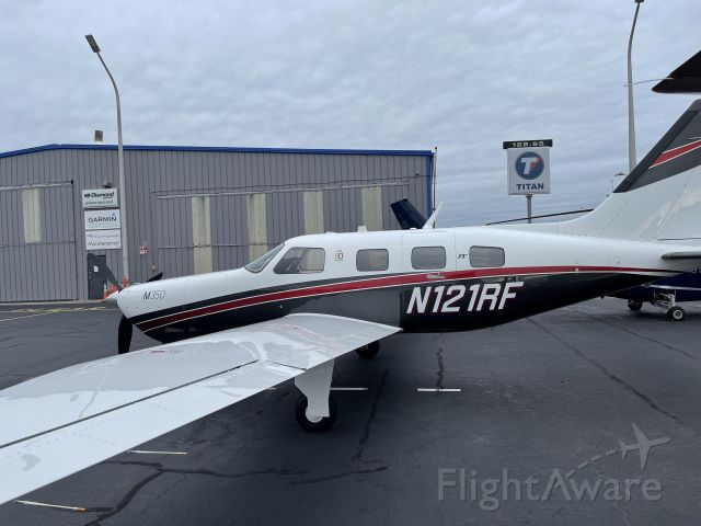 Piper Malibu Mirage (N121RF)