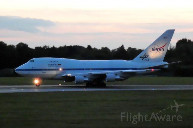 Boeing 747-200 (N747NA)