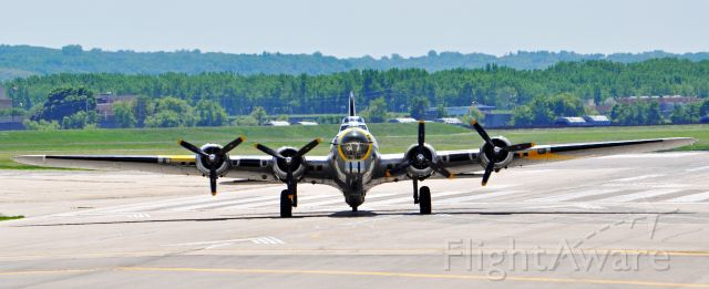 Boeing B-17 Flying Fortress (N390TH) - The Liberty Belle B-17 2 weeks before the crash and burn.
