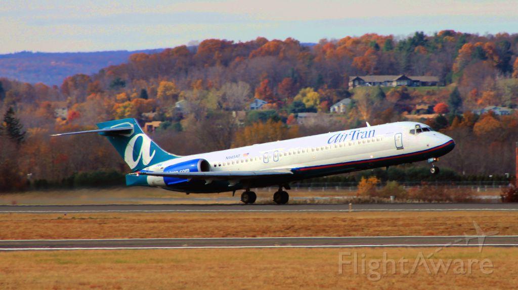 Boeing 717-200 (N945AT) - Citrus 185 rotating off runway 6 bound for Atlanta