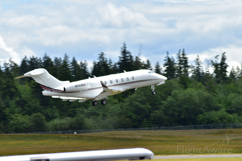 Canadair Challenger 350 (N741QS) - Departing KPWT