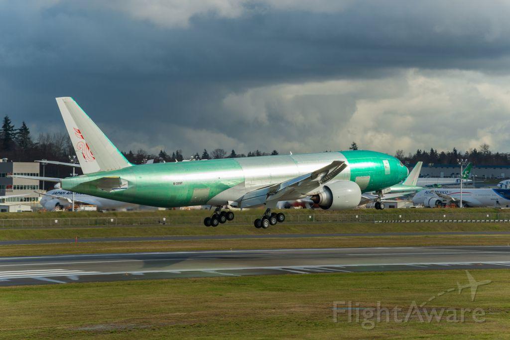 BOEING 777-200LR (B-2097)