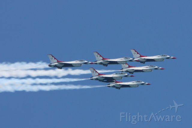 Lockheed F-16 Fighting Falcon — - USAF Thunderbirds performing at the Ocean City Air Show in Ocean City MAryland on June 9, 2012