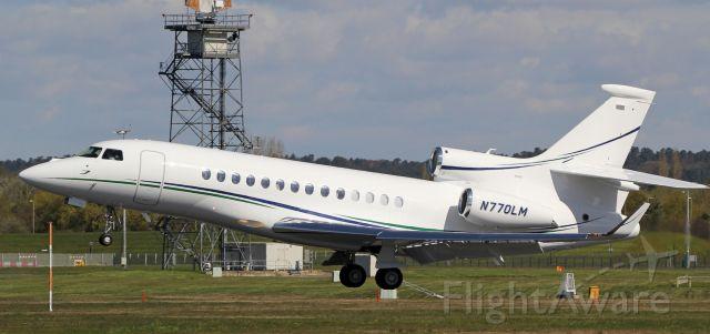Dassault Falcon 7X (N770LM) - A Dassault Falcon 7X taking-off from Centennial Airport (KAPA)