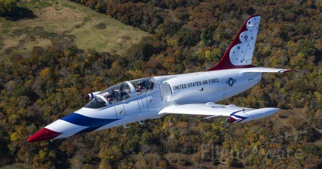 Aero L-39 Albatros (N178CW) - Photo by Gary Daniels