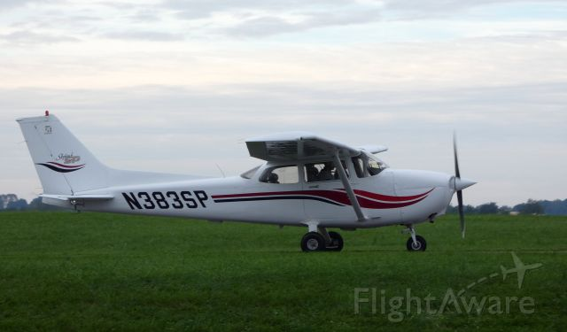 Cessna Skyhawk (N383SP) - Taxiing is this 1999 Cessna Skyhawk in the Summer of 2018.