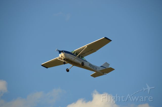 Cessna Skyhawk (N20571)