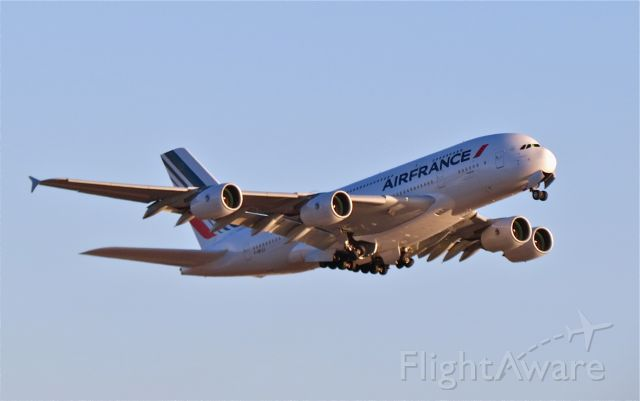 "Airbus A380-800 (F-HPJJ) - <a rel=""nofollow"" href=""http://flightaware.com/live/flight/FHPJJ/history/20141028/2345Z/KLAX/LFPG"">https://flightaware.com/live/flight/FHPJJ/history/20141028/2345Z/KLAX/LFPG</a>"